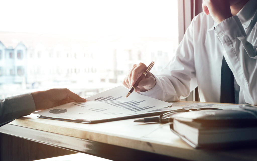 5 Tips for Succeeding As A Financial Advisor in 2021