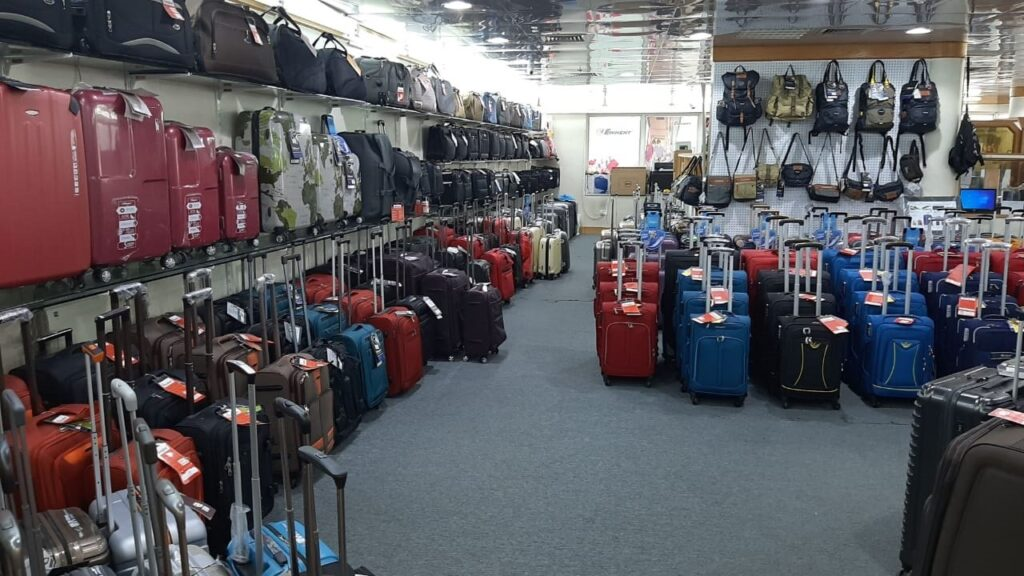 What Type Of Luggage Trolley Are Best For Backpacking?