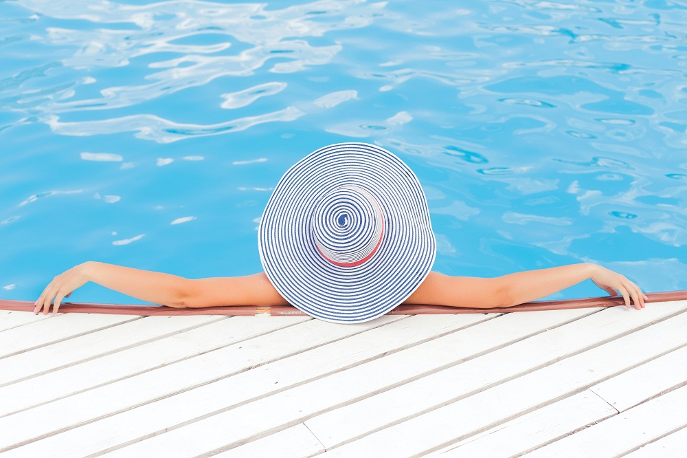 How to Select a Landscape& Swimming Pool Maintenance Company