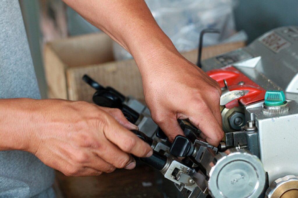 Dependable Auto Key Repair and Replacement Services